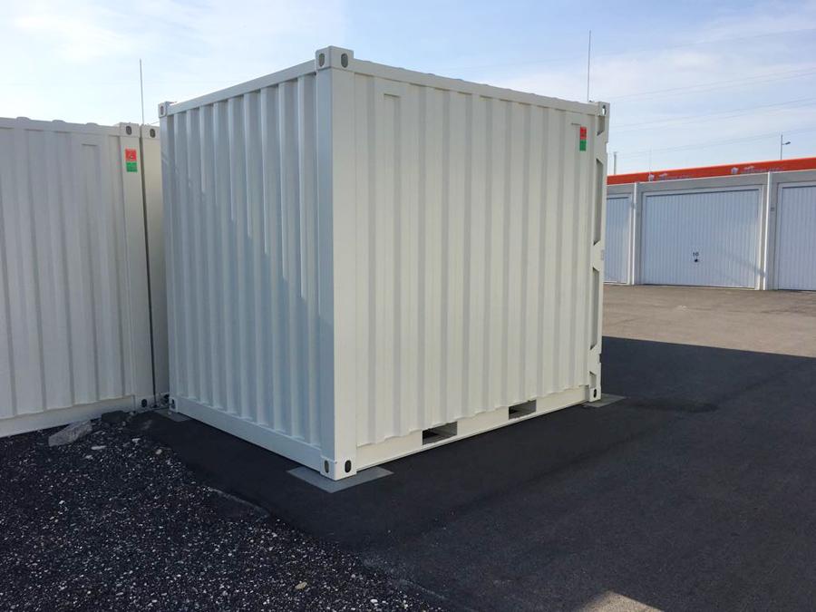 Pöck Container Medium von hinten